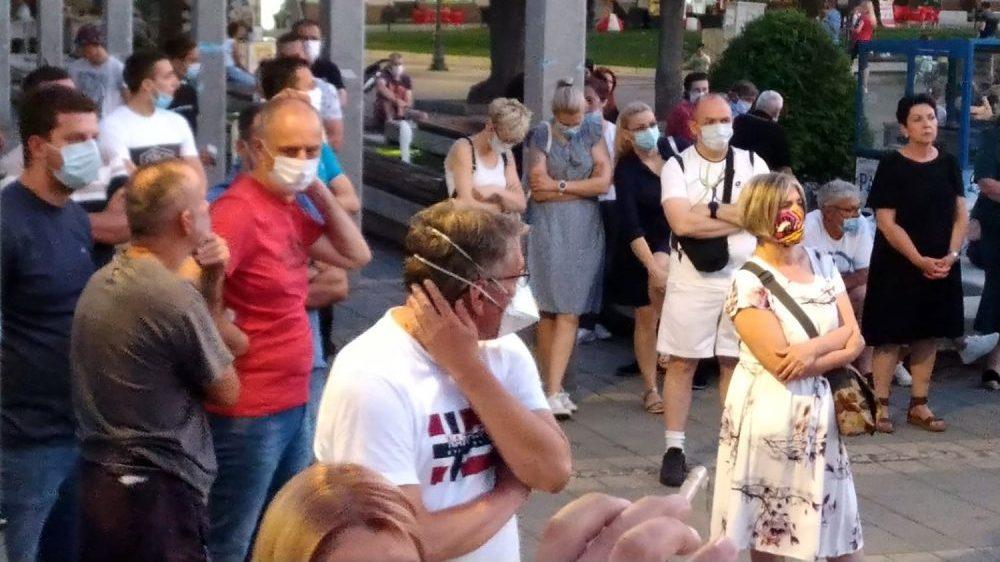 Protesti u više gradova Srbije četvrti dan zaredom (FOTO/VIDEO) 9