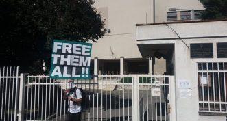 Održan protest ispred CZ-a, Đilas napustio skup posle skandiranja mase (VIDEO) 5