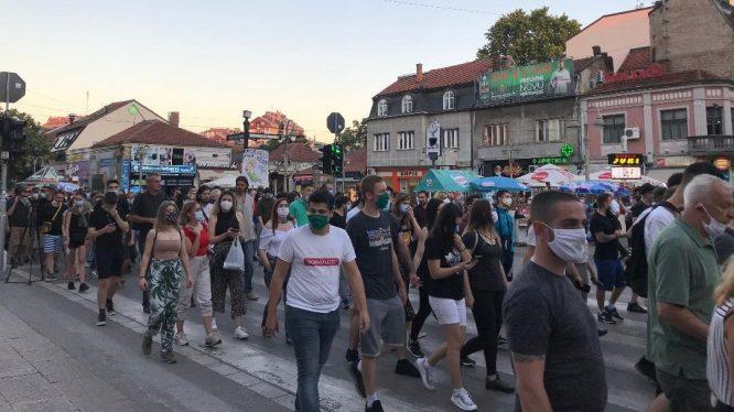 Protesti u više gradova Srbije četvrti dan zaredom (FOTO/VIDEO) 21