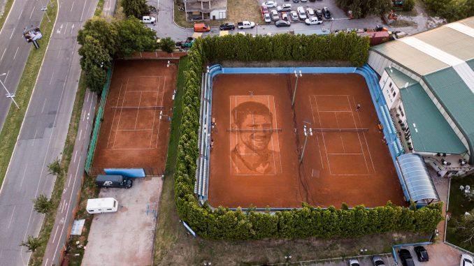 Najveći portret Đokovića, prvi na šljaci 3