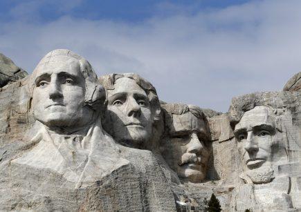 Brojne proslave Dana nezavisnosti SAD otkazane zbog virusa, Tramp najavio vatromet u Vašingtonu (FOTO) 2