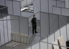 AP: Hitno otvaranje vojnih privremenih bolnica u Srbiji posledica naglog uklanjanja zabrana 4