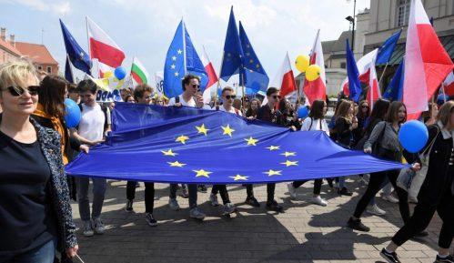Evropska unija bespovratno daje 390 milijardi evra zemljama članicama 17