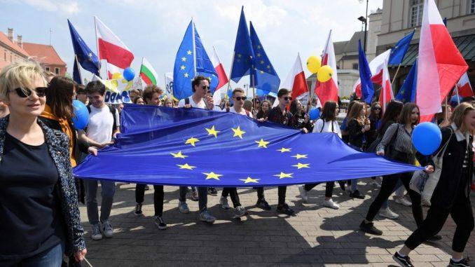 Evropska unija bespovratno daje 390 milijardi evra zemljama članicama 4