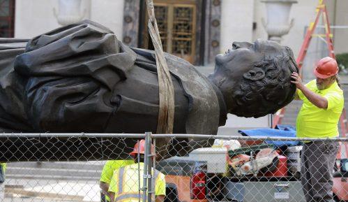 U SAD oborena još jedna statua Kristofera Kolumba 4