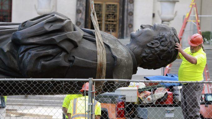 U SAD oborena još jedna statua Kristofera Kolumba 3