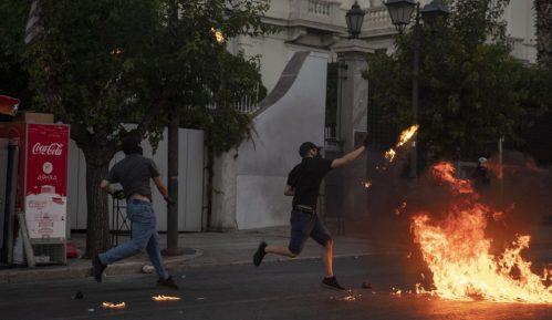 Devetoro uhapšenih tokom protesta u Atini 4
