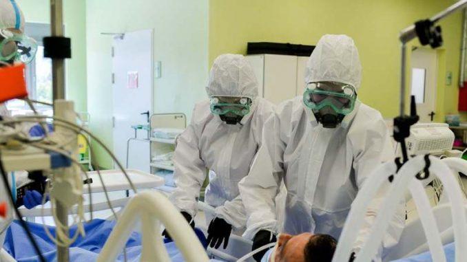 Vučić: Država će se po suzbijanju epidemije zahvaliti lekarima odlikovanjima 4