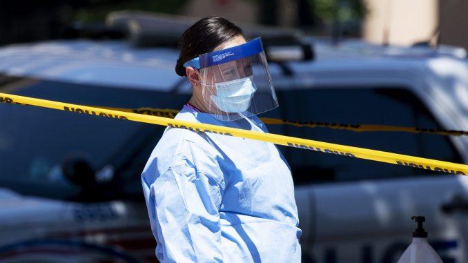 Broj novozaraženih korona virusom raste u 40 od 50 saveznih američkih država 3
