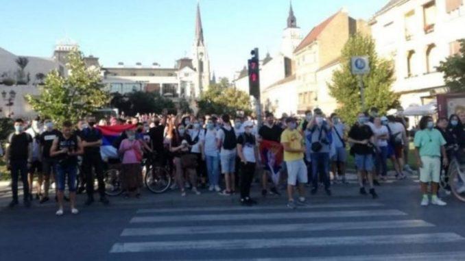 Protesti u više gradova Srbije četvrti dan zaredom (FOTO/VIDEO) 4