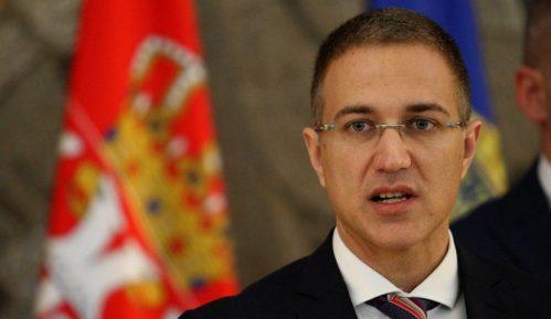 Stefanović se izvinio zbog napada policije na mladića u Novom Sadu 3