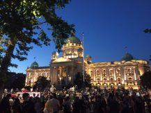 Četvrto veče protesta ponovo obeležili incidenti (FOTO, VIDEO) 18
