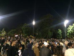 Šesti protest u Beogradu bez incidenata, uz učešće oko 1.000 ljudi (FOTO/VIDEO) 3