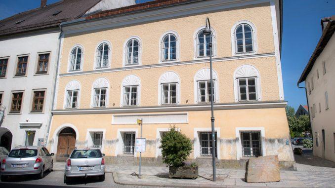 Šta će biti sa rodnom kućom Adolfa Hitlera? 5