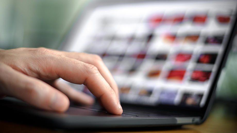 Čak tri četvrtine građana primarno se informiše preko društvenih mreža 1