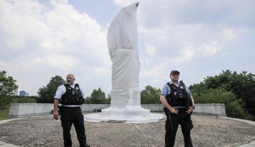U Čikagu uklonjene dve statue Kristofera Kolumba 3