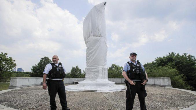 U Čikagu uklonjene dve statue Kristofera Kolumba 2
