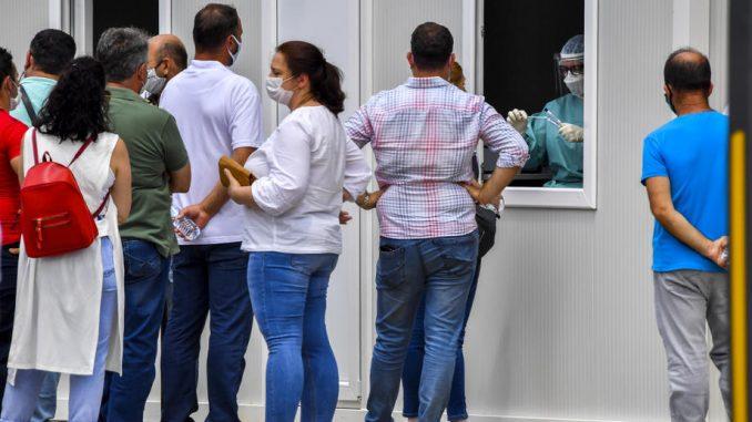 Novih 1.100 zaraženih i 30 smrtnih slučajeva u Severnoj Makedoniji 1