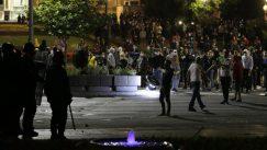 Policija potisnula demonstrante od Skupštine, ima povređenih na obe strane (FOTO/VIDEO) 7