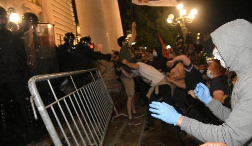 Grupa za konceptualnu politiku: Ne izlazite na proteste, nasilje je režirano 5