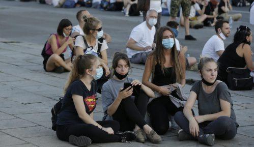 CINS: Sudovi na protestima bili na strani policije, u zatvor i zbog psovke 15