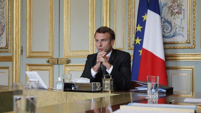 U regionu Pariza se zbog epidemije zatvaraju barovi, zabranjuje se okupljanje 9