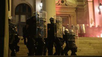 Četvrto veče protesta ponovo obeležili incidenti (FOTO, VIDEO) 9