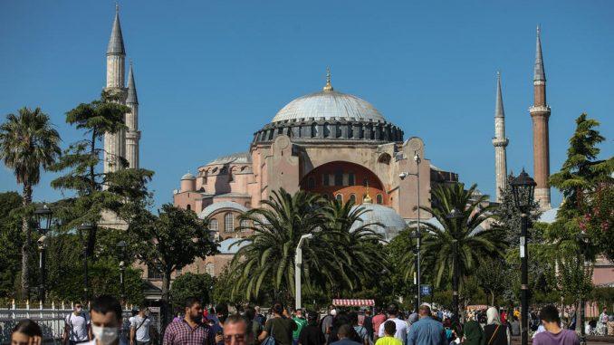 Turska: Neprijateljsko i 'razmaženo' negodovanje Grčke na pretvaranje Aja Sofije u džamiju 4