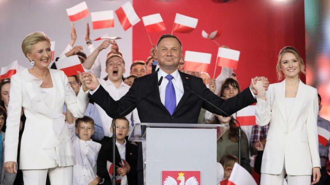 Poljaci u nedelju tesno izabrali za predsednika ponovo Andžeja Dudu 3