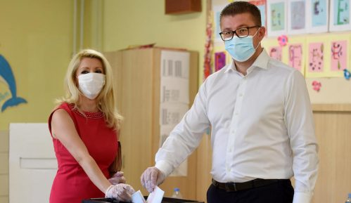 Rukovodstvo VMRO DPMNE ovlastilo Mickoskog da pregovara o koalicionoj vladi 12