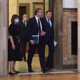 Vučićeva namera je da utiša nestašnog Dodika 8