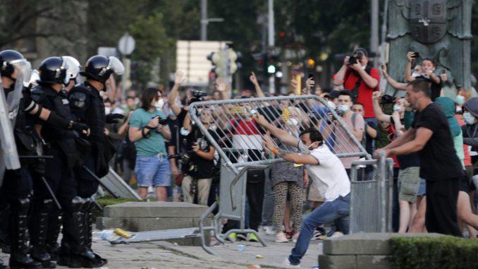 Srbi protestuju širom sveta tražeći demokratiju 4