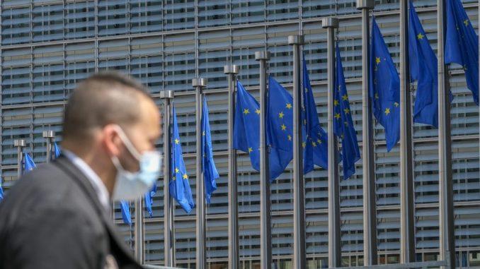 Prognoza EK za Srbiju: Umereni pad ekonomije, rast deficita i duga 1