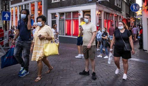 Holandija najavila ukidanje policijskog časa i otvaranje bašti kafića 13