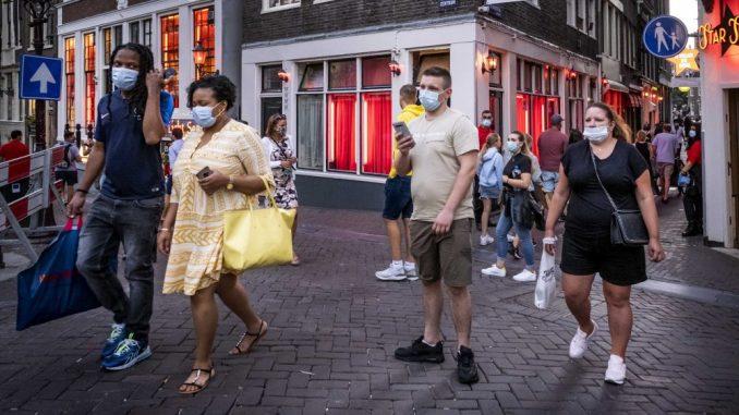 Holandija najavila ukidanje policijskog časa i otvaranje bašti kafića 4