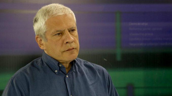 Tadić: Vučić pravi dimnu zavesu kojom prikriva kriminal 2
