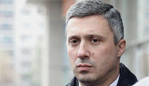 Obradović (Dveri): Predlog zakona o istopolnim zajednicama protivustavan 4