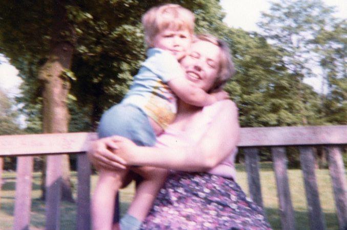 """Žene, deca i porođaj: """"Nakon što je majka umrla, niko o njoj nije pričao 15 godina"""" 4"""