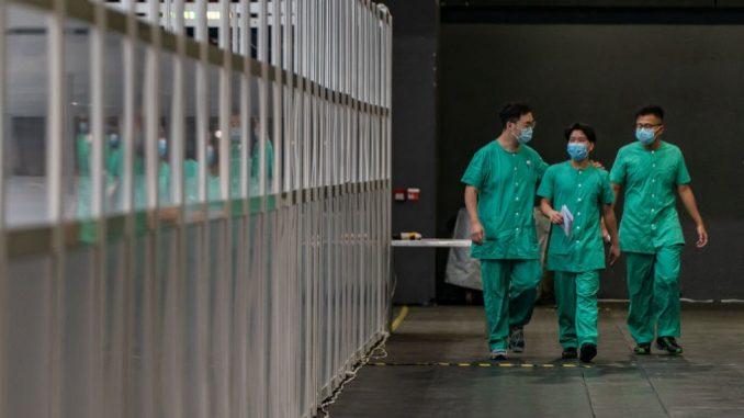 """Korona virus: Još osmoro ljudi preminulo u Srbiji, nema """"magičnog rešenja"""" protiv virusa, upozorava SZO 4"""