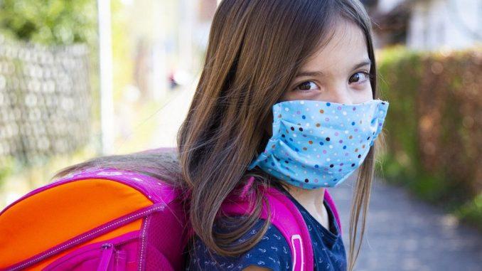 """Korona virus: Svet u """"opštoj katastrofi"""" zbog zatvaranja škola, upozorava UN - više od 50.000 novozaraženih u Indiji 2"""