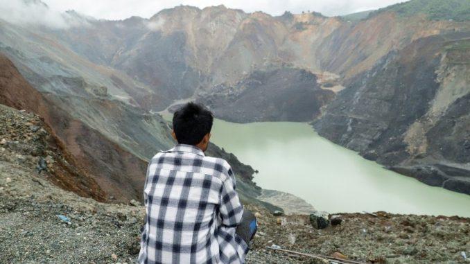 """""""Osećam se krivim što sam preživeo"""": Smrtonosni lov na žad u rudnicima Mjanmara 1"""