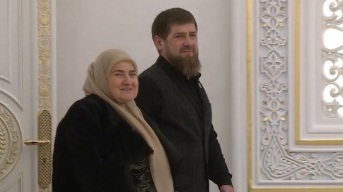 Deca u Čečeniji dobijaju novac i telefone ako napišu pesmu o porodici lidera Kadirova 4