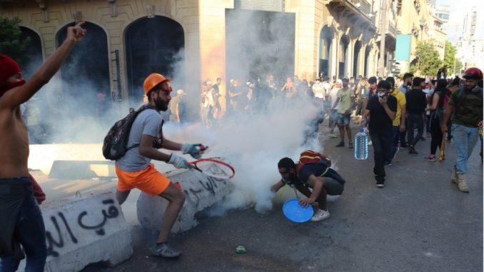Eksplozija u Bejrutu: Održan minut ćutanja, a protesti se nastavljaju 2