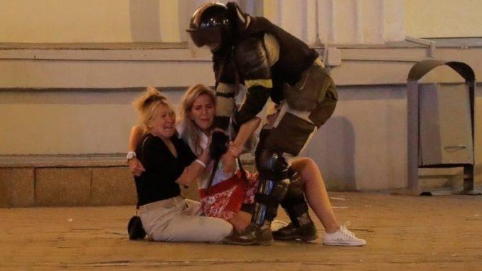 Izbori u Belorusiji: Policija koristila bojevu municiju u sukobu sa demonstrantima, napadnuta BBC ekipa 4