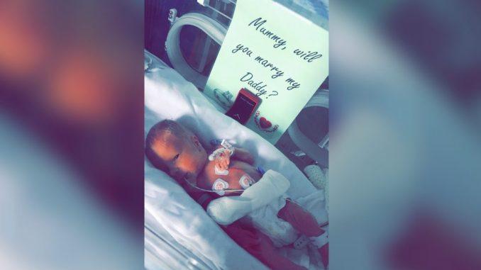 Prevremeno rođena beba pomogla tati da zaprosi mamu 5