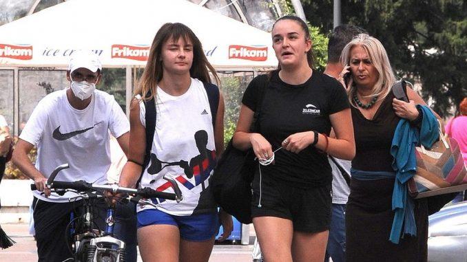 Korona virus: U Srbiji manje prijema u kovid ambulante, drastičan skok broja obolelih u Francuskoj 2