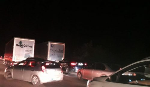 Saobraćajna nesreća u blizini Bubanj potoka, formirana kolona 13