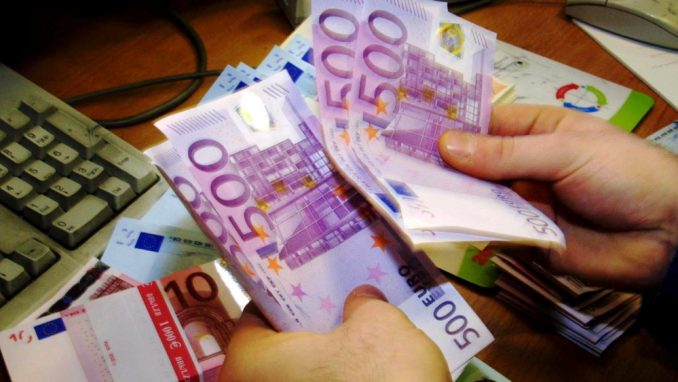 Plate u Nemačkoj: Strancima 900 evra manje nego domaćima 1