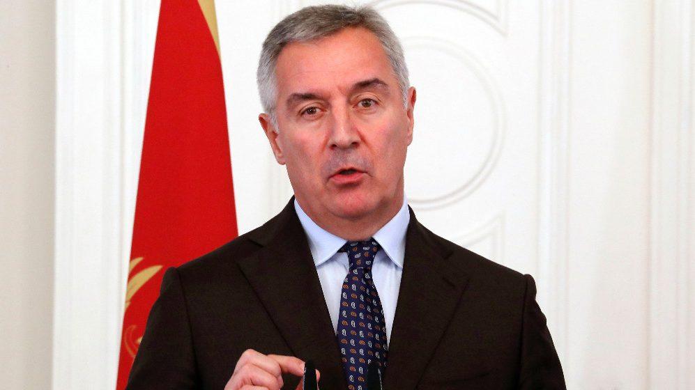 Đukanović: Učiniću sve da oni koji glasaju a upisani su u birački spisak druge države odgovaraju 1