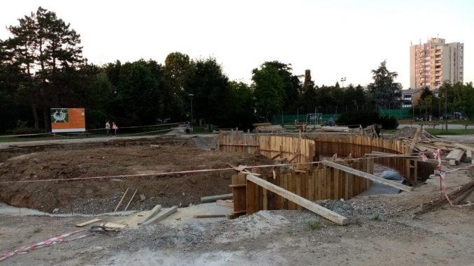 U toku gradnja nove fontane u šabačkom Velikom parku 1
